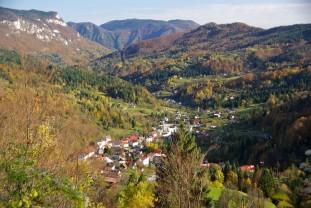 https://gorskikotarbike.com/atrakcije/poucna-staza-tropetarska-stijena/